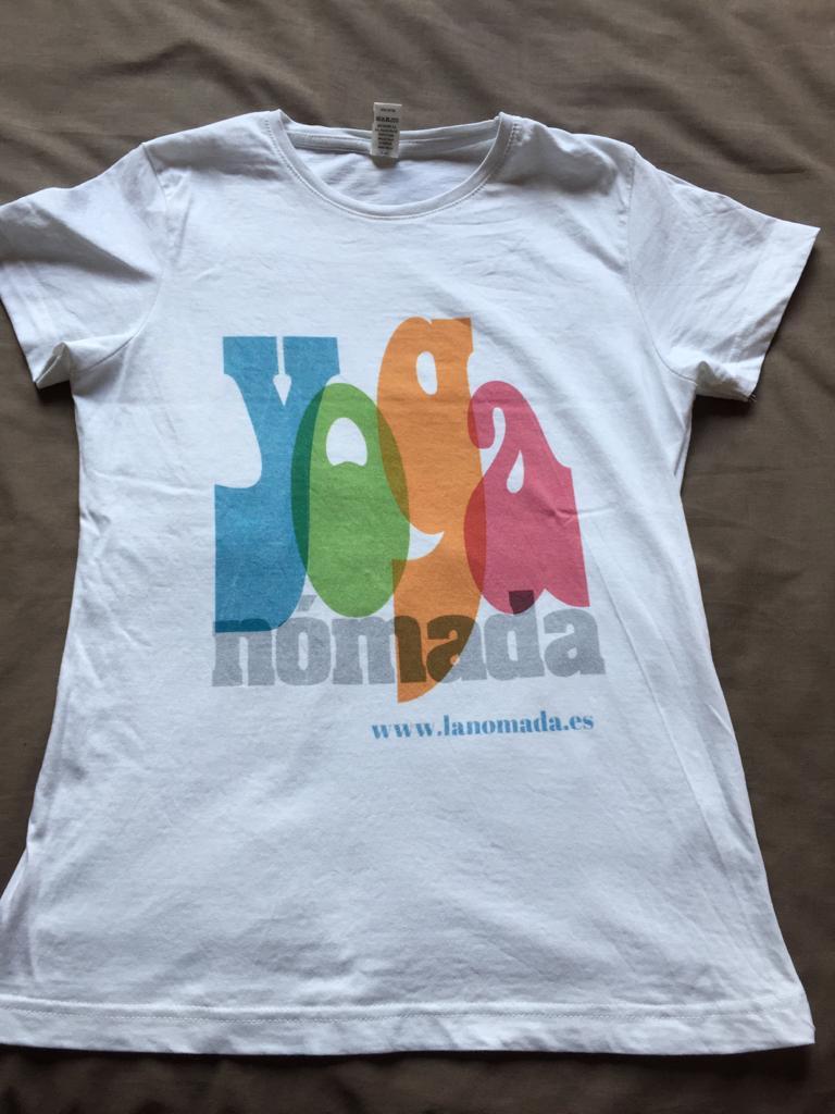 Camisetas de Yoga Nómada!